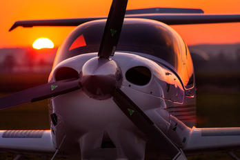 D-EDKY - Private Diamond DA 40 Diamond Star