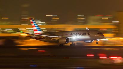 N809AA - American Airlines Boeing 787-8 Dreamliner