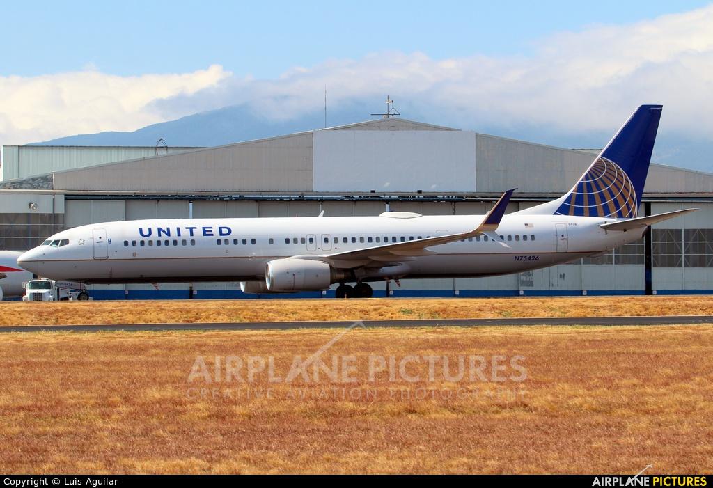 N75426 United Airlines Boeing 737 900 At San Jose Juan Santamaria Intl Photo Id 692266 Airplane Pictures Net