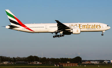 A6-EBC - Emirates Airlines Boeing 777-300ER