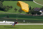 - - Parachute Parachute Parachute - tandem aircraft