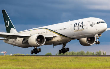 AP-BHW - PIA - Pakistan International Airlines Boeing 777-300ER