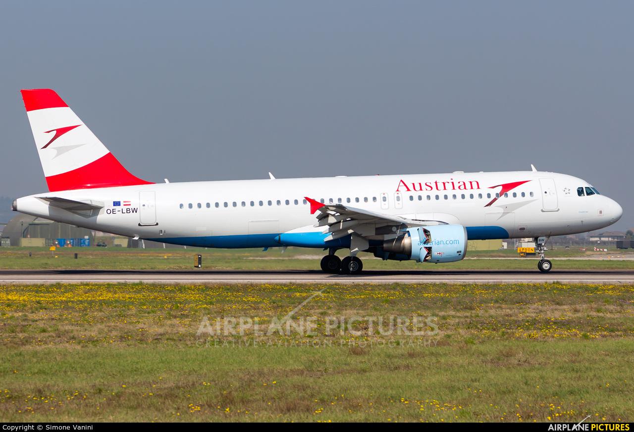 Austrian Airlines/Arrows/Tyrolean OE-LBW aircraft at Verona - Villafranca