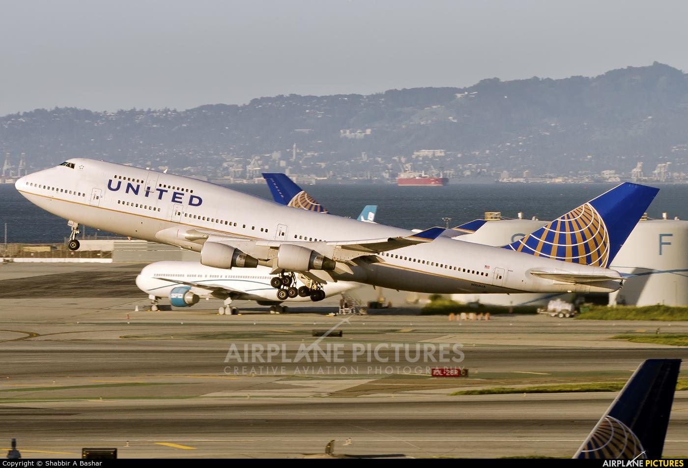 United Airlines N105UA aircraft at San Francisco Intl