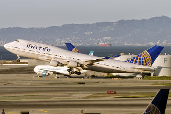 N105UA - United Airlines Boeing 747-400