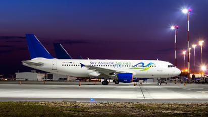 SP-HAF - Sky Angkor Airlines Airbus A320