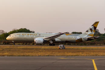 A6-BLB - Etihad Airways Boeing 787-9 Dreamliner