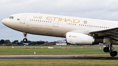 A6-EYF - Etihad Airways Airbus A330-200