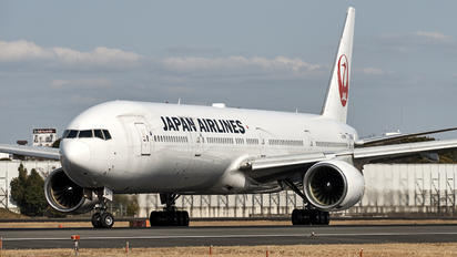 JA8944 - JAL - Japan Airlines Boeing 777-300