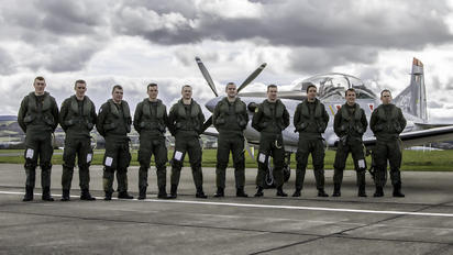 - - Ireland - Air Corps - Airport Overview - People, Pilot