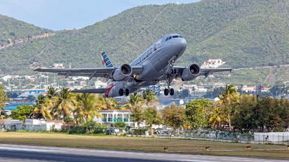 N701UW - American Airlines Airbus A319