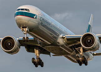 B-KQS - Cathay Pacific Boeing 777-300ER