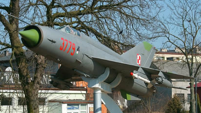 7906 - Poland - Air Force Mikoyan-Gurevich MiG-21MF