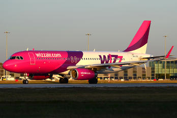 HA-LYD - Wizz Air Airbus A320