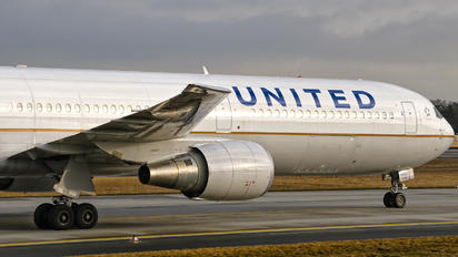 N77066 - United Airlines Boeing 767-400ER