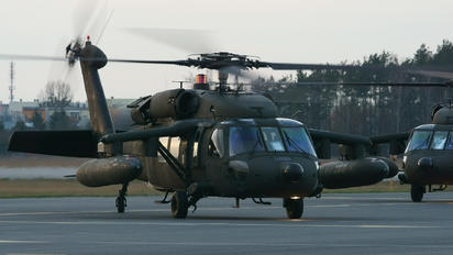 0-24538 - USA - Army Sikorsky H-60L Black hawk