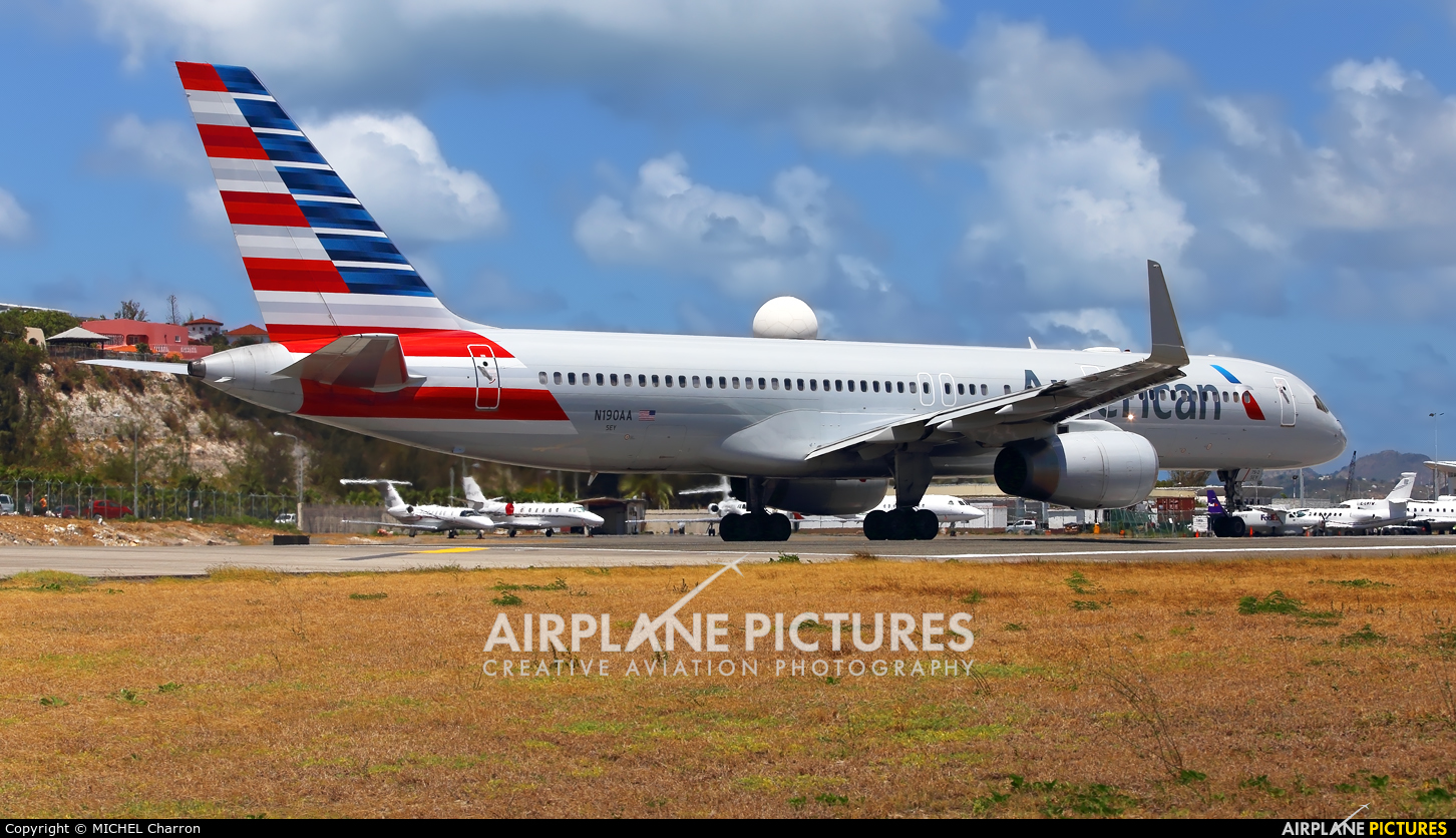American Airlines N190AA aircraft at Sint Maarten - Princess Juliana Intl