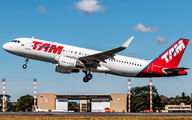 PR-MYY - TAM Airbus A320 aircraft