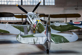 TB995 - Museum of Polish Aviation Supermarine Spitfire LF.XVIe