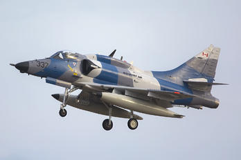 C-FGZS - Discovery Air Defence Services McDonnell Douglas A-4 Skyhawk