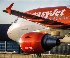 G-EZFD - easyJet Airbus A319
