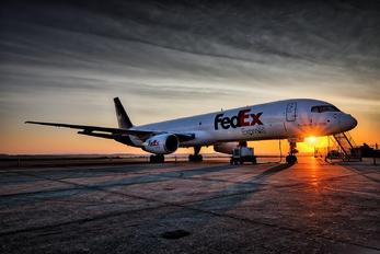 N944FD - FedEx Federal Express Boeing 757-200F