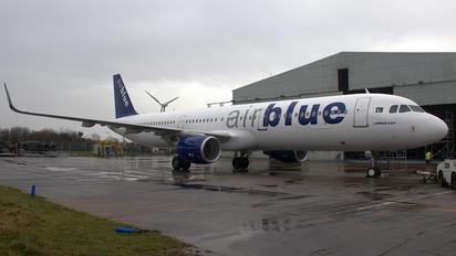 AP-BMM - Air Blue Airbus A321