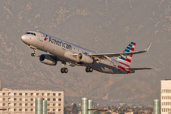 N105NN - American Airlines Airbus A321