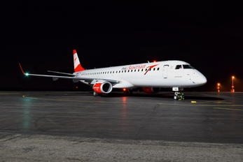 OE-LWD - Austrian Airlines/Arrows/Tyrolean Embraer ERJ-195 (190-200)