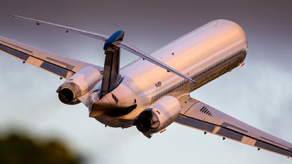 P4-MDH - Insel Air McDonnell Douglas MD-83