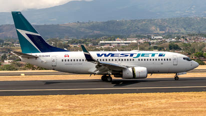 C-GUWS - WestJet Airlines Boeing 737-700