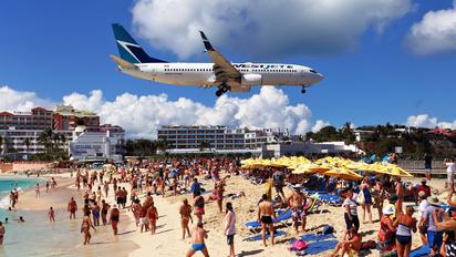C-GZWS - WestJet Airlines Boeing 737-800