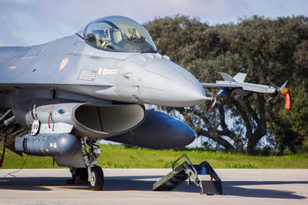 15101 - Portugal - Air Force General Dynamics F-16A Fighting Falcon