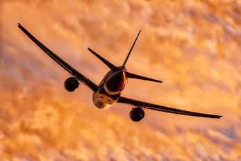 N77006 - United Airlines Boeing 777-200ER