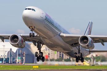 B-HYB - Dragonair Airbus A330-300