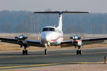 RA-02780 - Samara Beechcraft 300 King Air 350