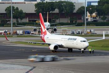 VH-XZB - QANTAS Boeing 737-800