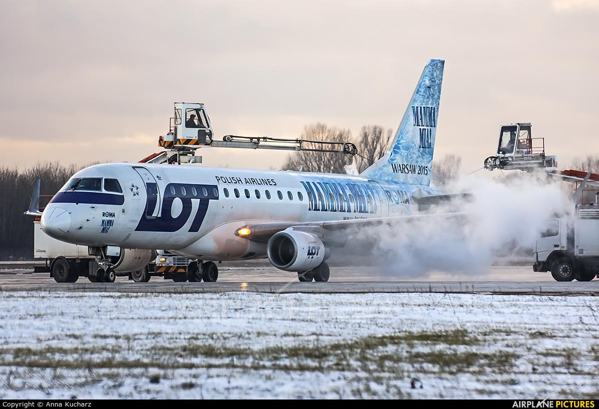 LOT - Polish Airlines SP-LIA aircraft at Warsaw - Frederic Chopin