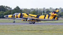 J-4206 - Private Hawker Hunter T.68 aircraft