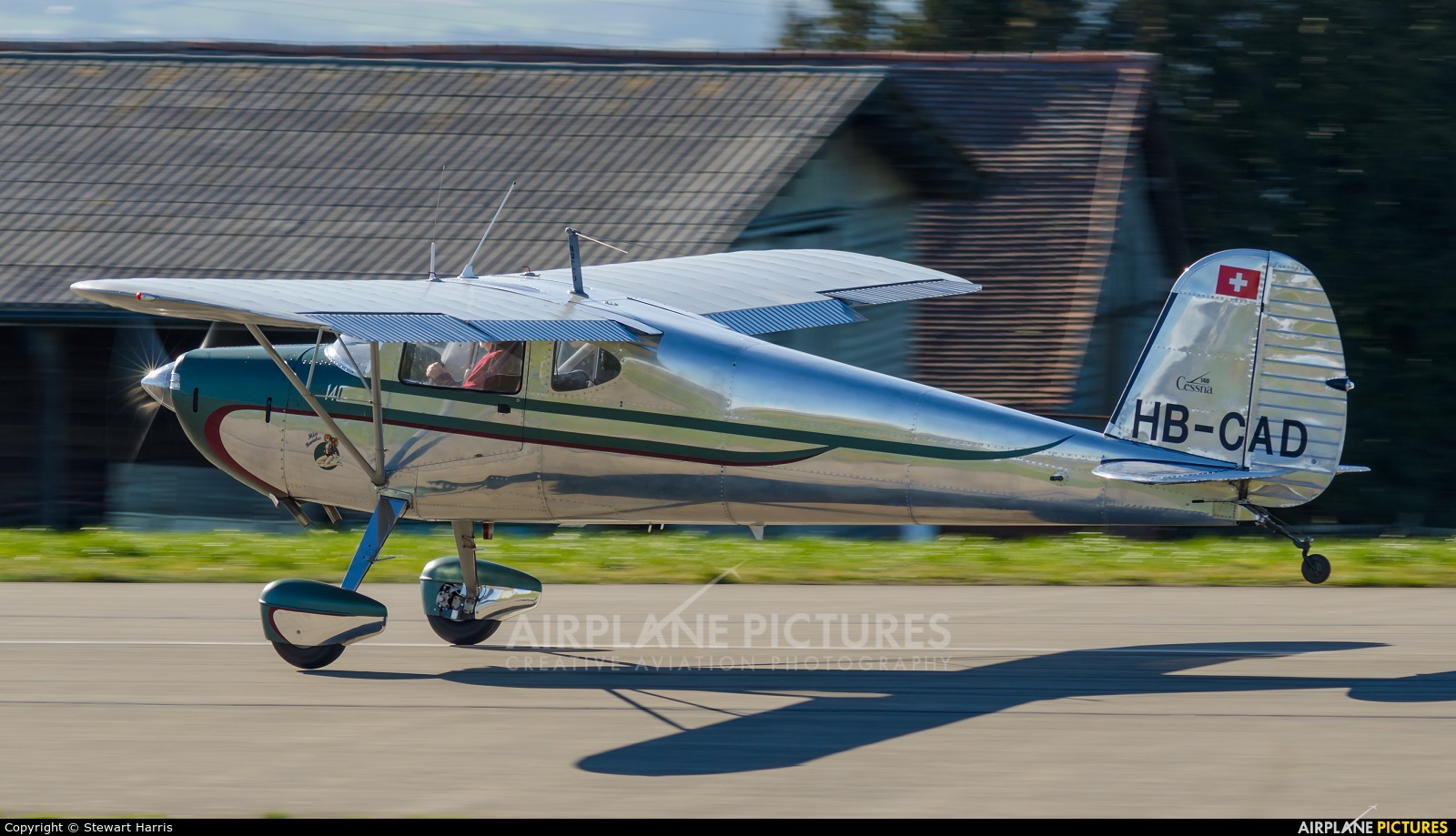 HB-CAD - Private Cessna 140 at Lausanne - La Blécherette