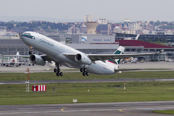 B-LBJ - Cathay Pacific Airbus A330-300