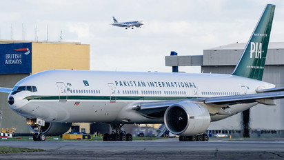 AP-BMG - PIA - Pakistan International Airlines Boeing 777-200ER