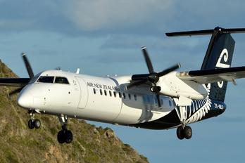ZK-NEU - Air New Zealand Link - Air Nelson de Havilland Canada DHC-8-300Q Dash 8
