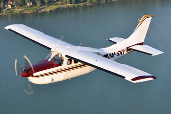 OM-SKY - SKY Service (Czech) Cessna 210 Centurion