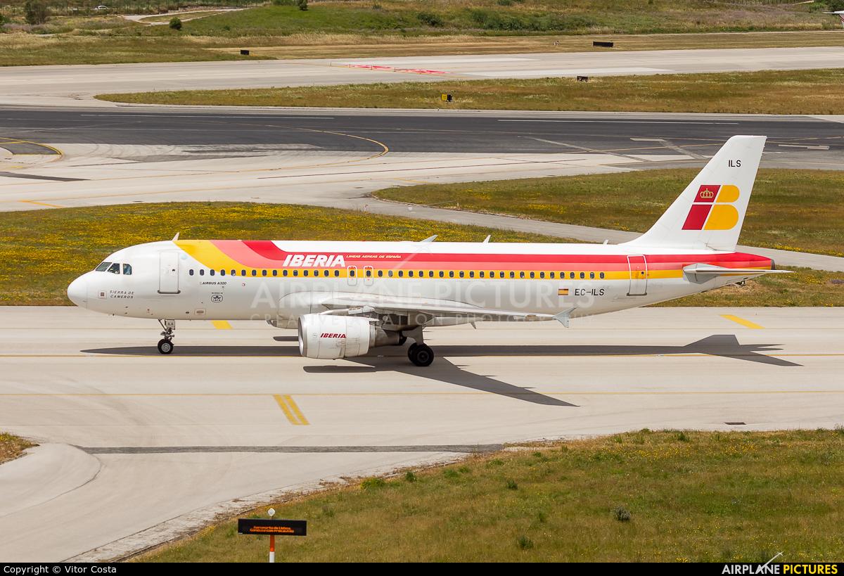 Iberia EC-ILS aircraft at Lisbon