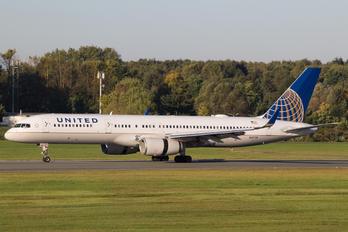 N57111 - United Airlines Boeing 757-200WL