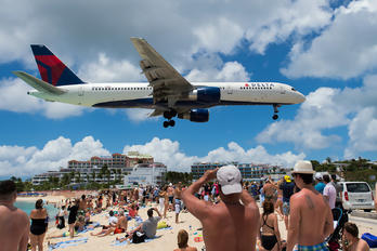 N635DL - Delta Air Lines Boeing 757-200
