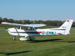 D-EMWJ - Private Cessna 172 Skyhawk (all models except RG)