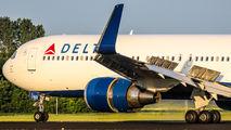N1602 - Delta Air Lines Boeing 767-300ER aircraft