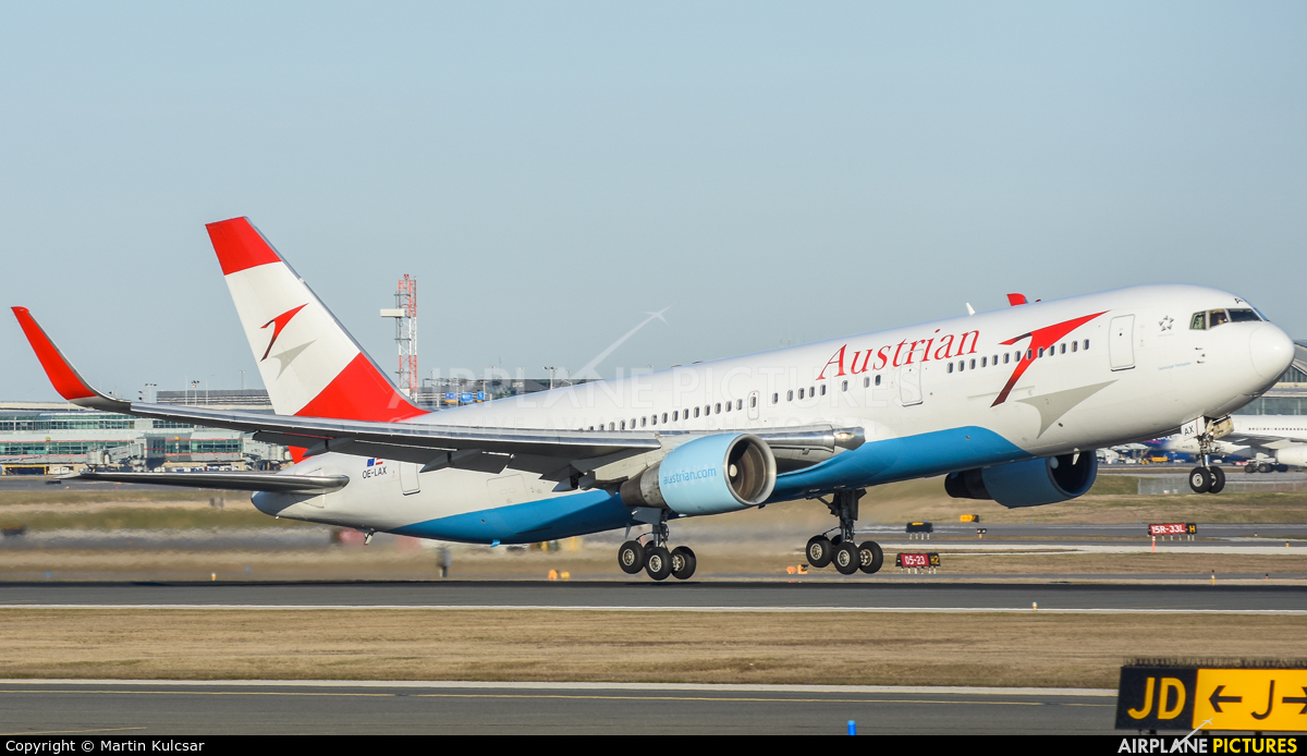 Austrian Airlines/Arrows/Tyrolean OE-LAX aircraft at Toronto - Pearson Intl, ON